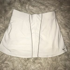 Woman's Nike tennis skort Small